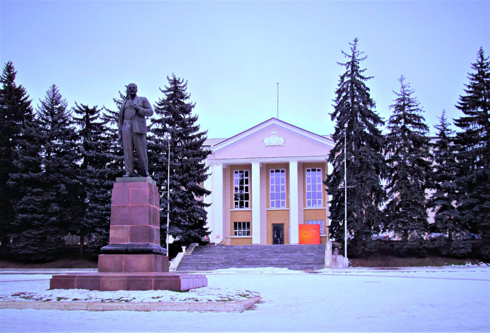 Памятник В. И. Ленину, Лермонтов