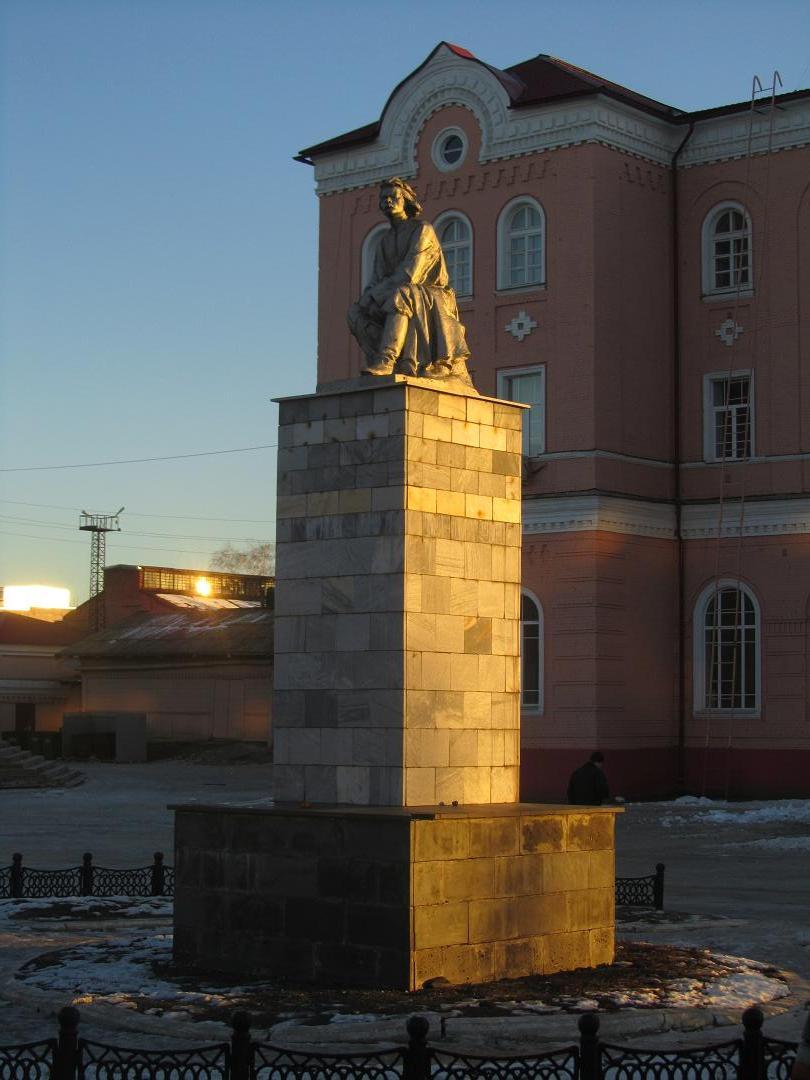 Памятник М. Горькому, Борисоглебск
