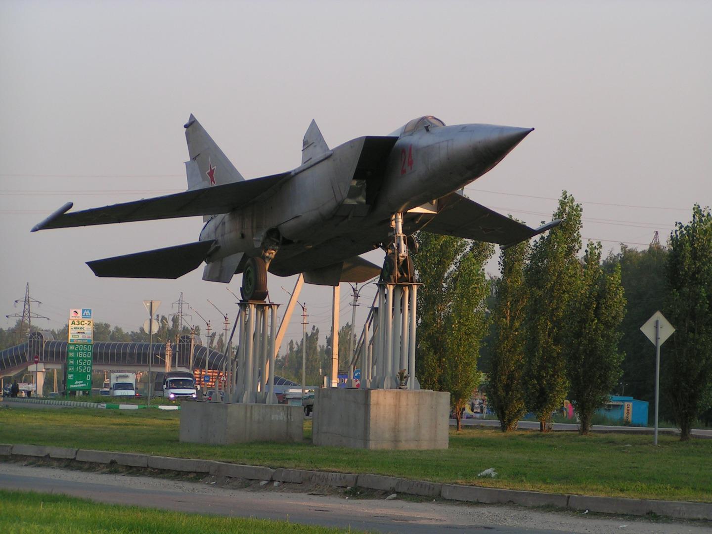Памятник Самолёт МИГ-25, Елец