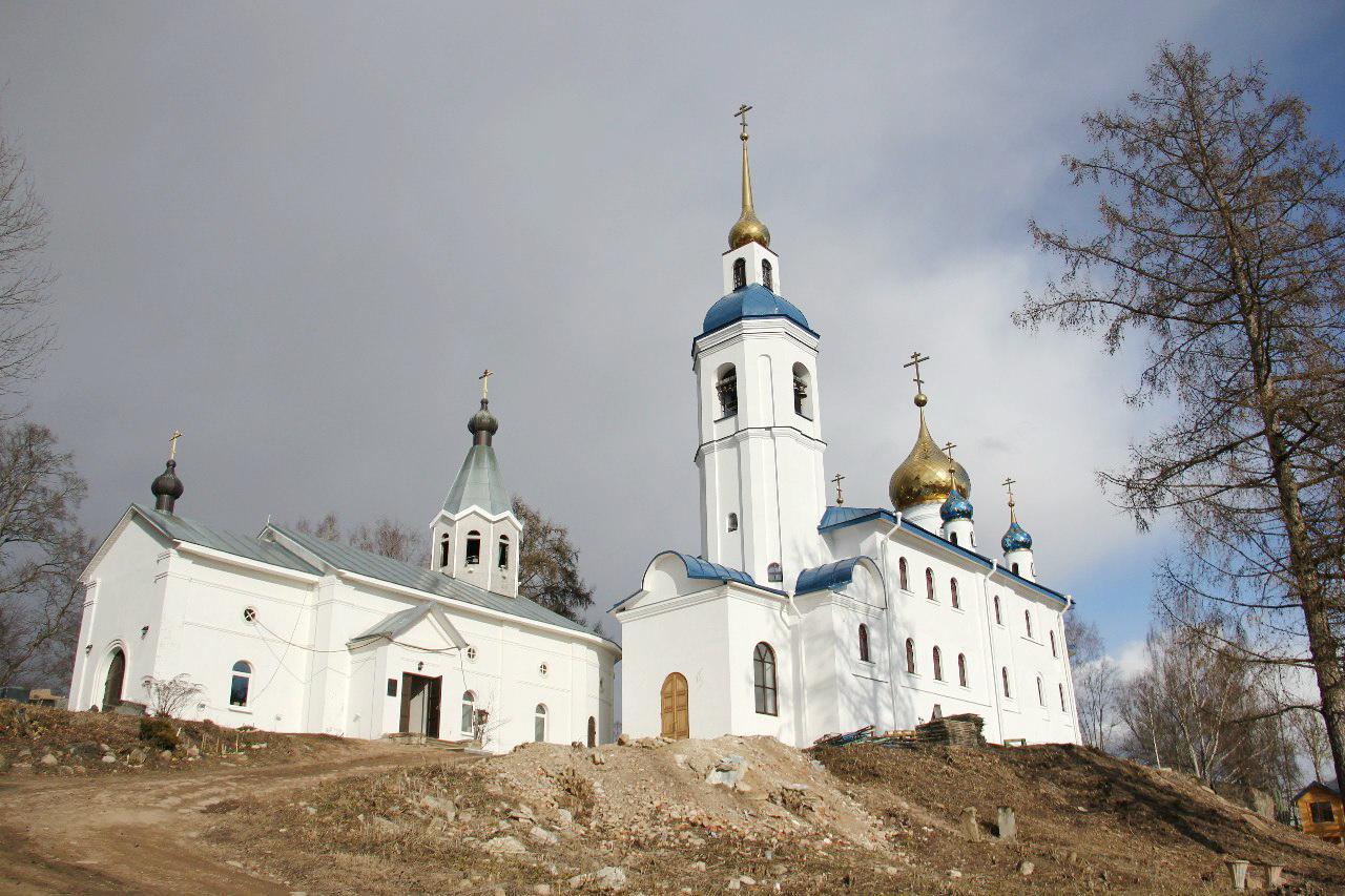 Иоанно-Богословский Череменецкий мужской монастырь, Луга