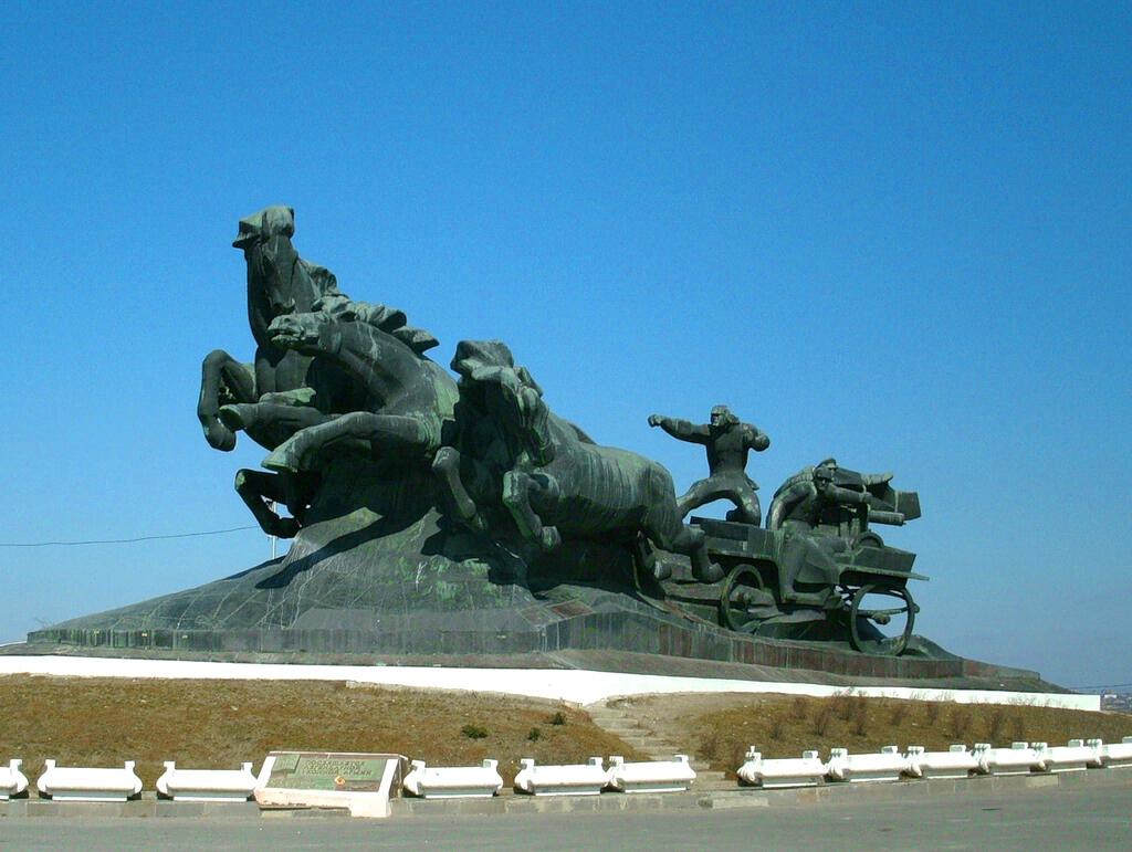 Памятник Тачанка-ростовчанка, Ростов-на-Дону