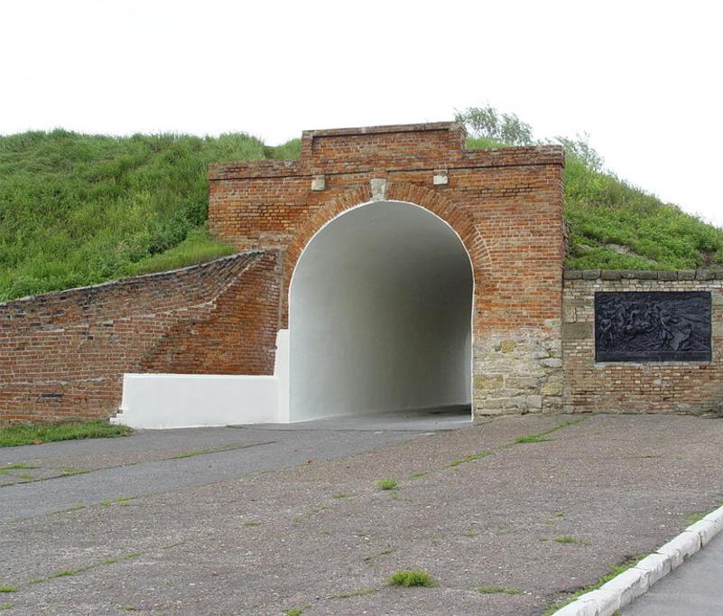 Крепостные валы с Алексеевскими воротами, Азов