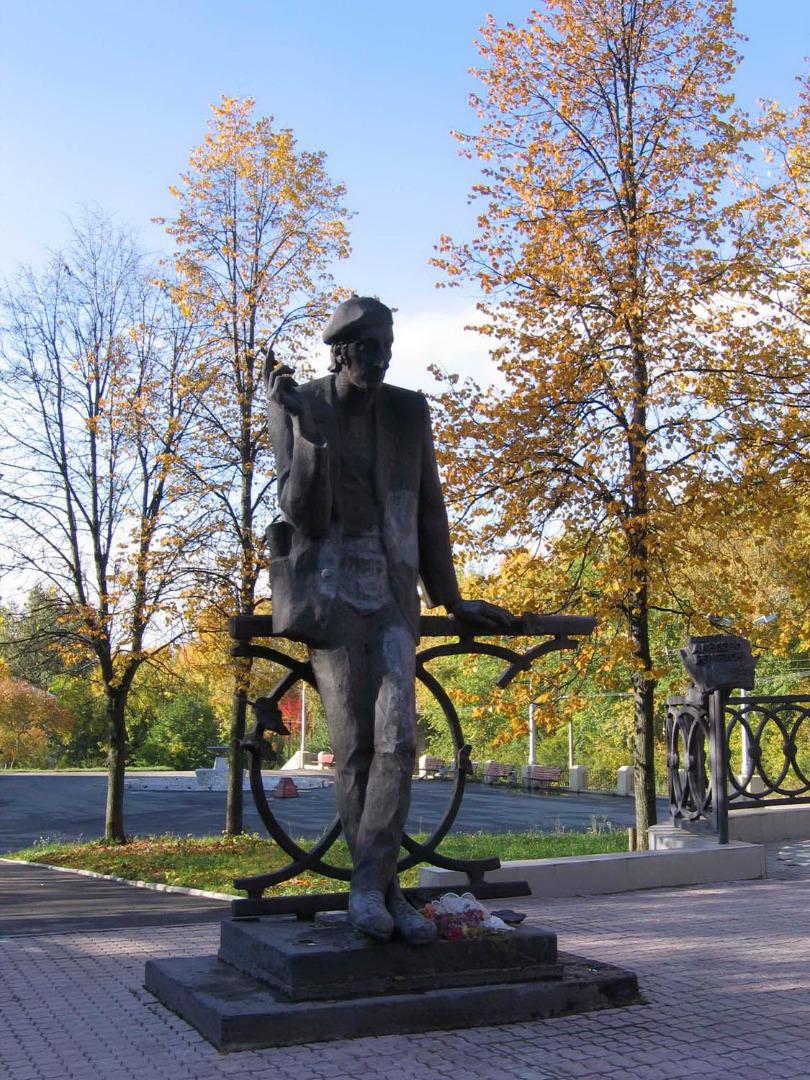 Памятник Решетову, Березники