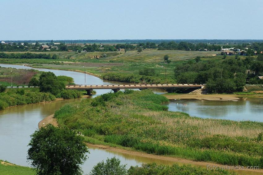 Река Средний Егорлык, Сальск